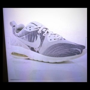 Nike women's air max floral sneaker